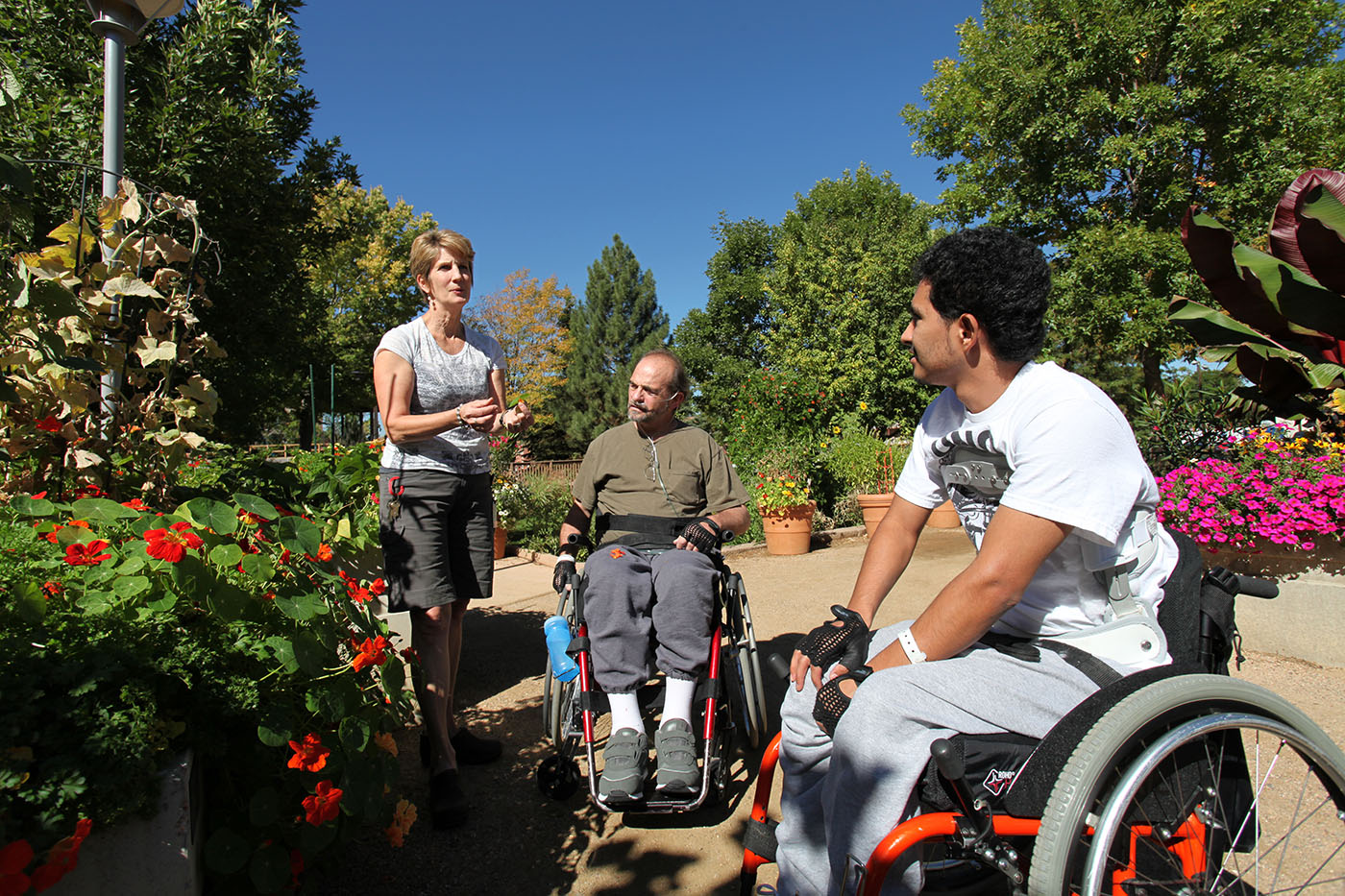 Craig Hospital | Spinal Cord Injury Rehabilitation Patients Participating in Therapeutic Recreation